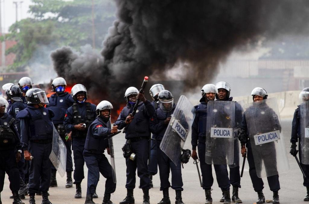 Angola: Police Fire Tear Gas to Disperse Protests