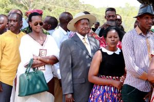Museveni lined up to cast his vote in 2016