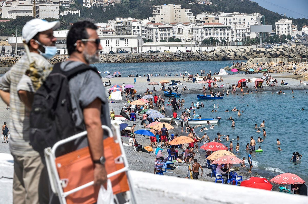 Algerians Pack Beaches After Restrictions are Eased - Photo Al Arabiya