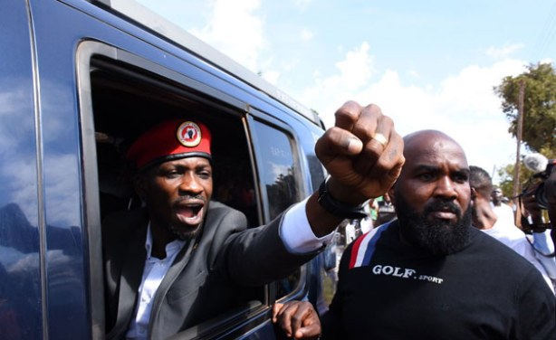Bobi Wine Punches the Air in Show of Encouragement to Supporters - AllAfrica.com