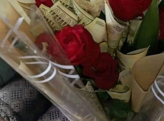 Four Arrested for Using Bank Notes on Bouquets - Photo Malawi 24