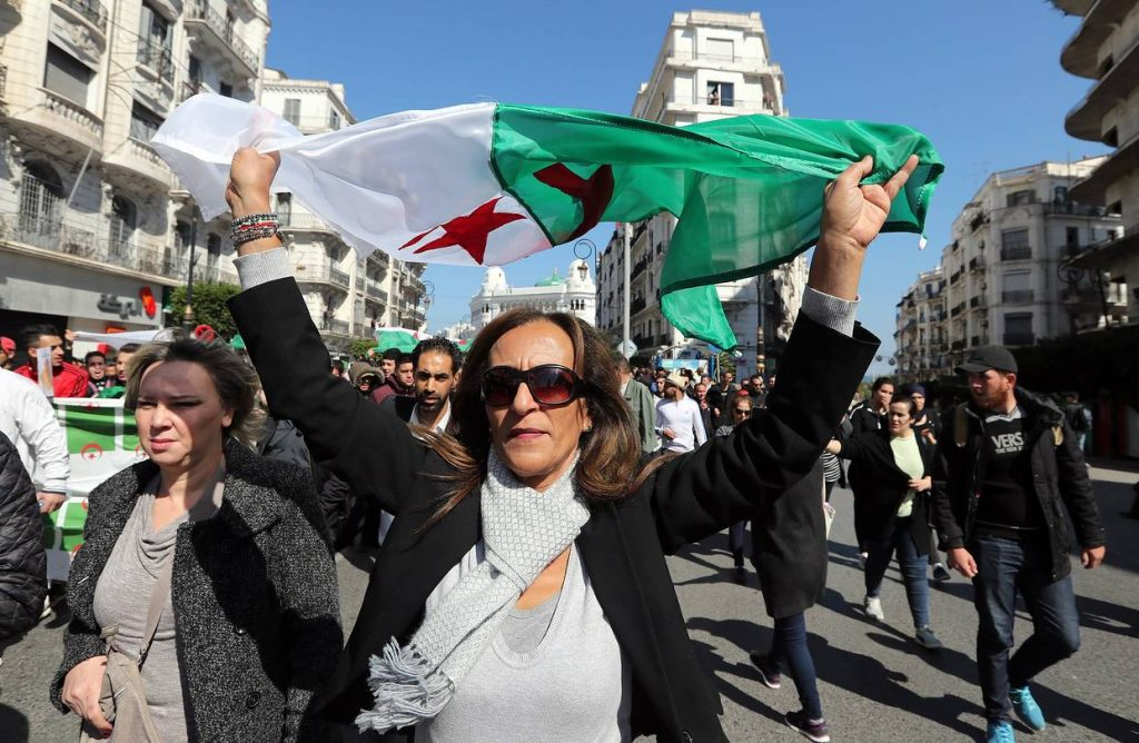 Protesters in Algiers - Photo The Wall Street Journal