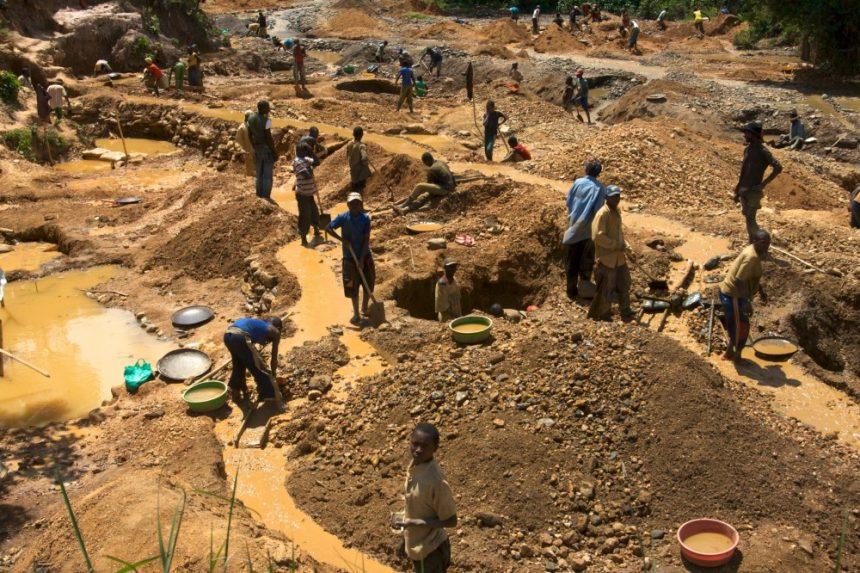 Reform of Artisanal Mining Sector in Ghana - Photo Mining Review Africa