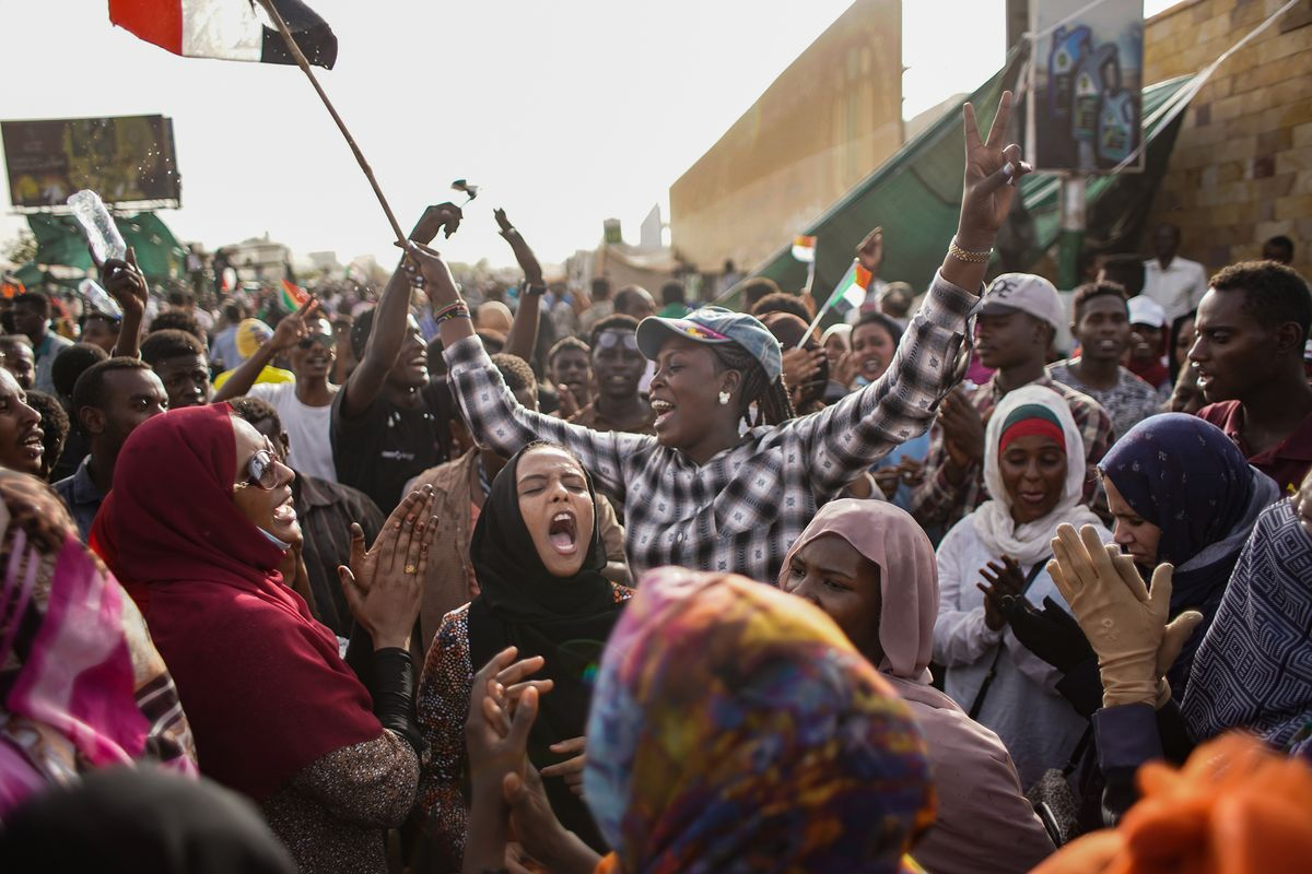 Sudanese Women Led Protests that Ousted al-Bashir - Photo Vox