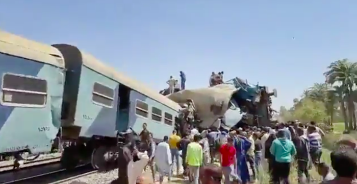 32 People Killed 90 Injured in Train Accident - Photo Insider