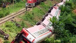 70 Killed in Train Accident in Eseka Oct 2016 - Photo News Reporters