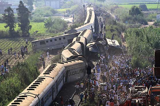 Dozens Killed and Over 100 Injured in Train Accident in Egypt - Photo Dunya News