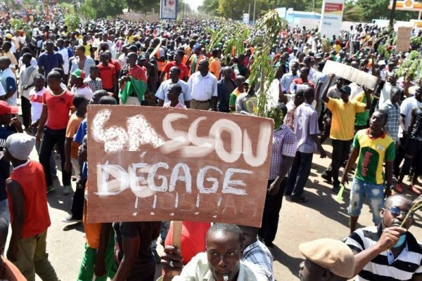 Placard Calls for Sassou to Step Down at Opposition Rally - Photo Global Voices
