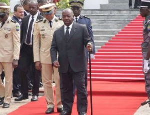 President Ali Bongo with Cane Walking with Difficulty After Recoverin from Heart Attack - Photo AfriEdu