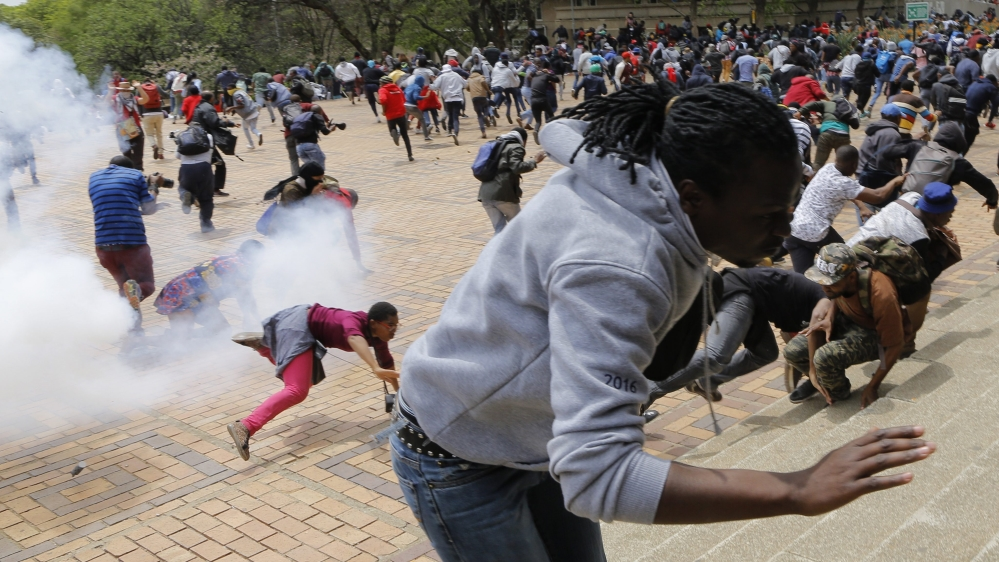 Protesting Students Dispersed by Tear Gas - Photo African Media Agency