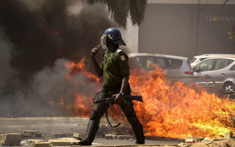 Protests in Dakar Leave One Dead and Property Damaged - Photo EWIN
