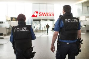 Swiss Police Officers at Zurich Airport - Photo EPA/ENNIO LEANZA
