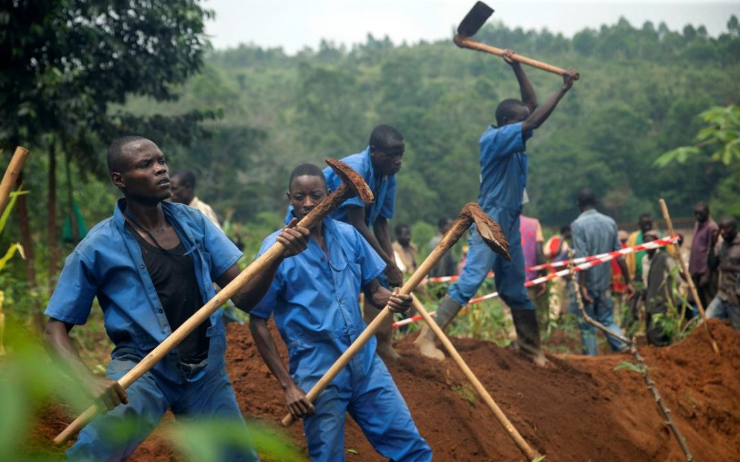 Unearthing the Contents of Mass Graves in Burundi - Photo Tellter Report