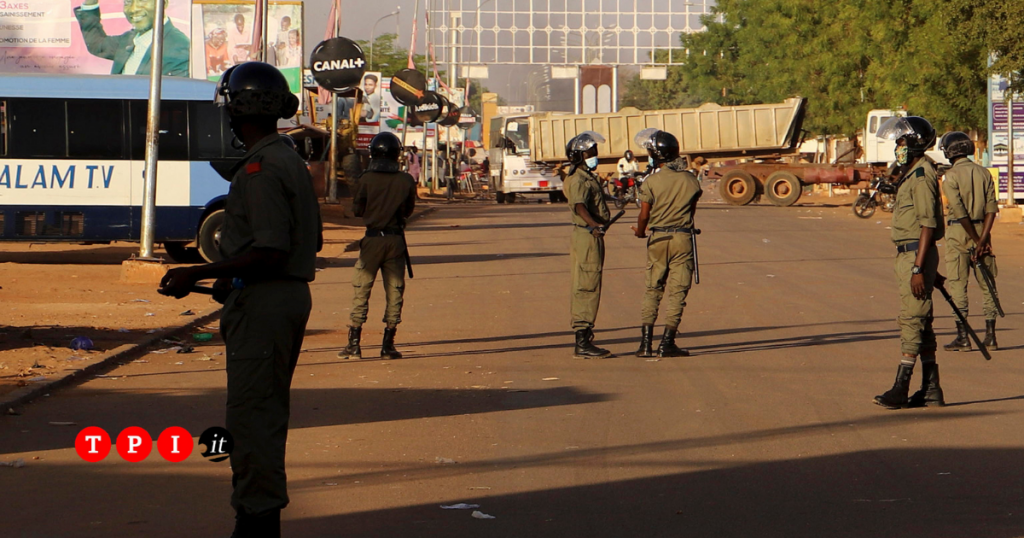 Police Patrol Uneasy Calm in Heavily Barricaded Niamey in the Aftermath of Foiled Coup Attempt - Photo Ruetir & TPI