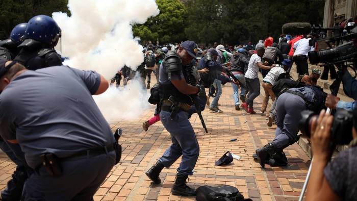Violent Student Protests - Photo Financial Times