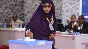 A Woman Casts Her Ballot in Elections in Somalia - Photo The East African
