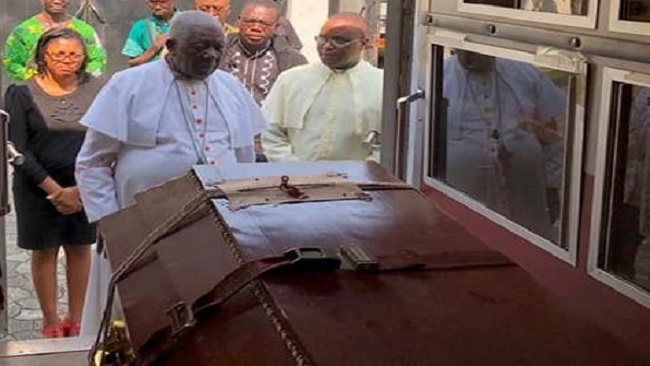 Cardinal Tumi Pays Hommage to Kenuyan Priest Killed in the Genocidal Vilolence in Ambazonia - Photo Cameroon Concord News