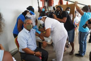 Seychellois President Wavel Ramkalawan Gets the Jab - Photo UN News