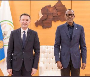 Rwanda's Paul Kagame (R) and UCI President David Lappartient on Twitter