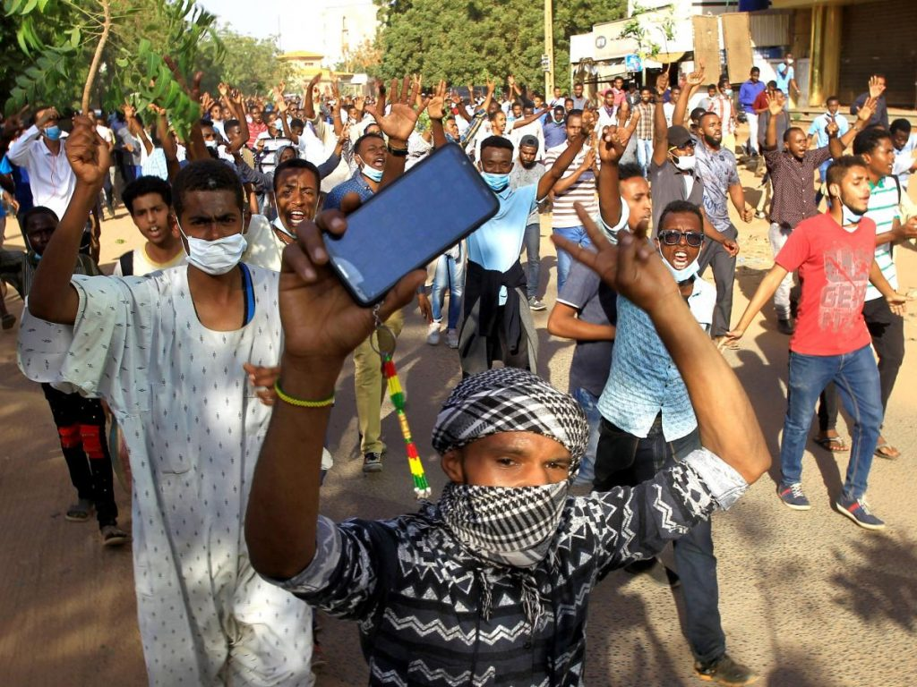 Powered by Mobile, the Revolution in Sudan did not have to be Televised - Photo Quartz