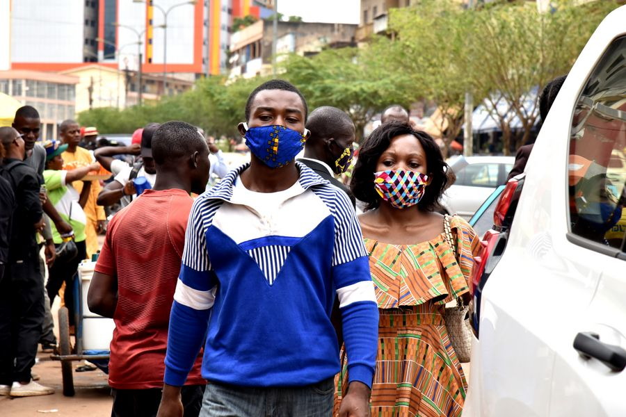 Few Wear Face Masks Anywhere in Cameroon - Photo Cameroon Radio Television
