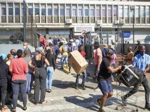 Riots Marked by Widespread Looting Followed Zuma's Jailing - Photo Times of India